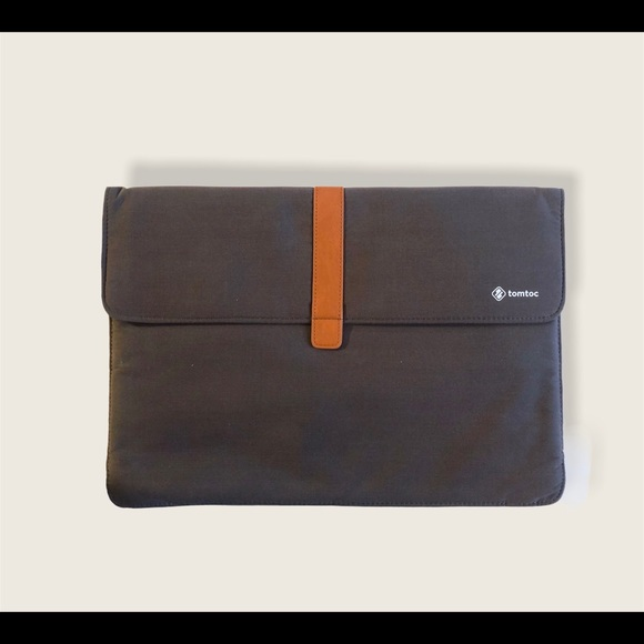 Tomtoc slim carrying case